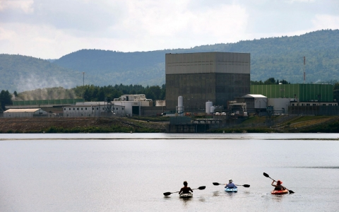Thumbnail image for Vermont Yankee nuclear plant to close in 2014
