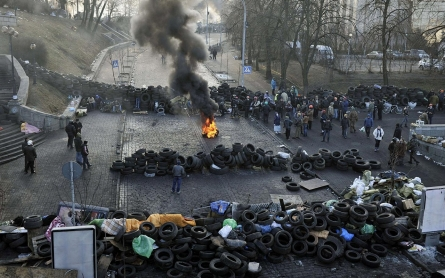 Ukraine president, opposition agree to early elections, new government