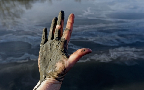 Thumbnail image for Environmentalists say river is 'toxic soup' after coal ash spill