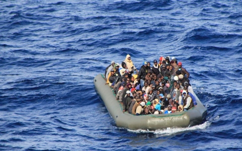 Thumbnail image for Italian navy rescues 1,100 migrants from overcrowded rafts