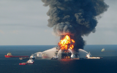 Thumbnail image for BP sues US to get new contracts after oil spill
