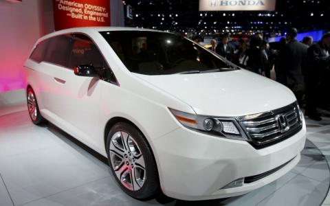 Recalls Honda Com >> More Auto Recalls Honda Says Nearly 900 000 Vans Have Fire