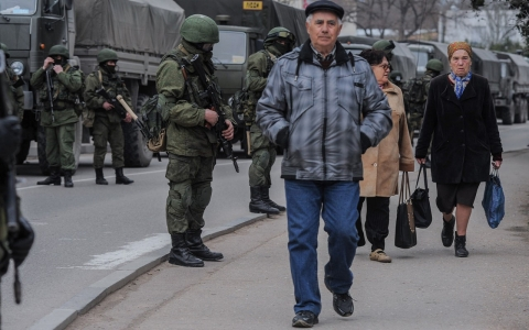 Thumbnail image for In Crimea, citizens stand for self defense and Mother Russia