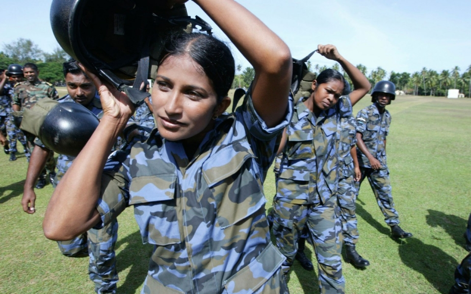 sri lankan women soldiers