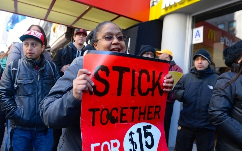 Thumbnail image for Minimum wage fight goes on tour