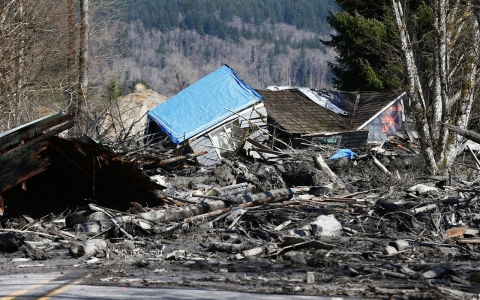 Thumbnail image for Search for warning signs is losing game in battle against mudslides