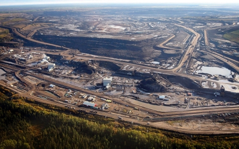 Thumbnail image for Report finds doctors reluctant to link oil sands with health issues