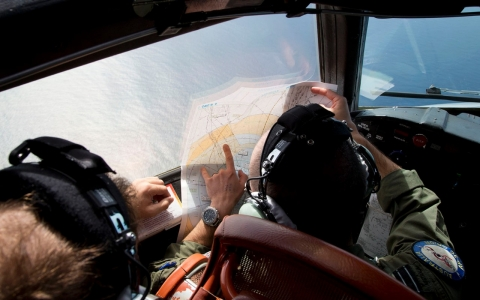 Thumbnail image for  Australian authorities shift MH370 search as new clues emerge