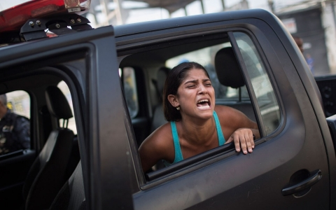 Thumbnail image for Squatters, police clash in Rio de Janeiro