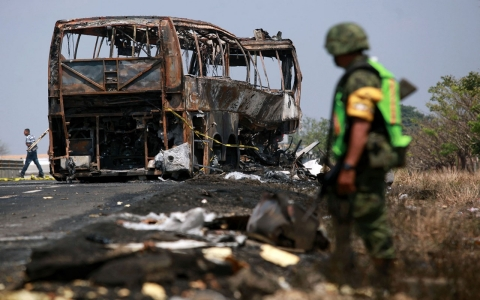 Thumbnail image for At least 36 dead in fiery Mexico bus crash