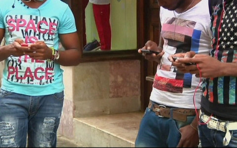 Cuban mobile users