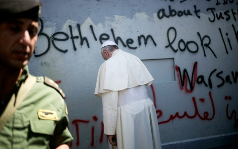 Thumbnail image for Pope Francis invites Israeli, Palestinian leaders to Vatican