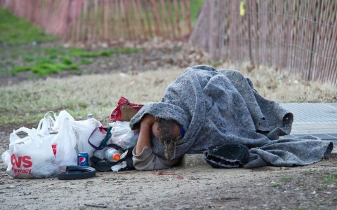 Thumbnail image for US homeless numbers drop, but low pay threatens progress