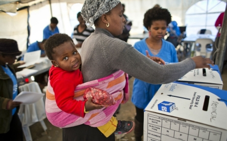 South Africa ruling party leading vote in early election results
