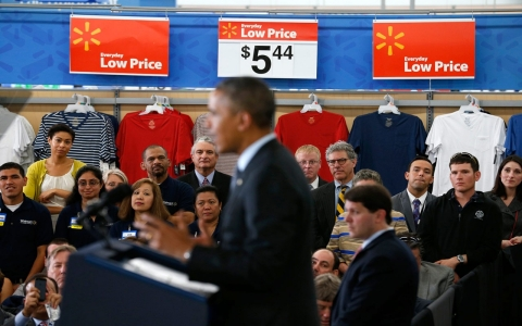 Thumbnail image for Obama's Walmart photo-op #FAIL