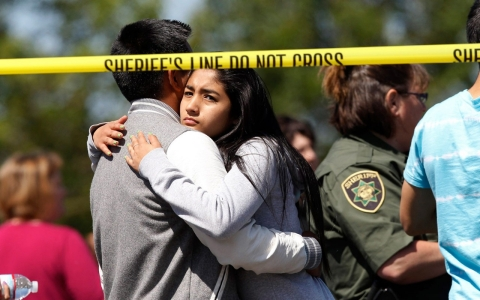 Thumbnail image for Alleged gunman, student dead after Oregon school shooting, police say