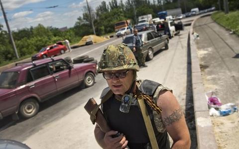 Ukraine's president orders civilian corridor in east   Al