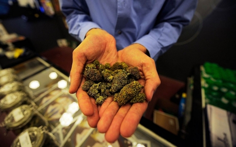 Thumbnail image for Legal marijuana, a multibillion-dollar industry, still faces legal hurdles