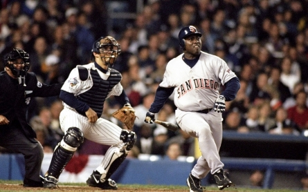 Baseball Hall of Famer Tony Gwynn dies at 54
