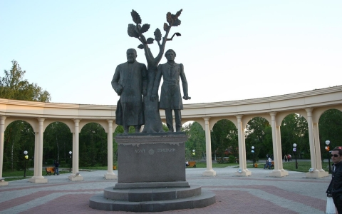 Statue of Pushkin (at right) and Abai Kununbaev