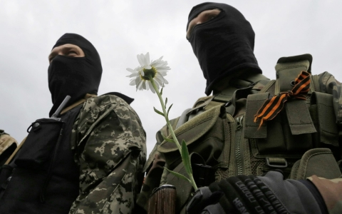 Thumbnail image for Pro-Russian separatists attack Ukrainian posts, ignoring cease-fire