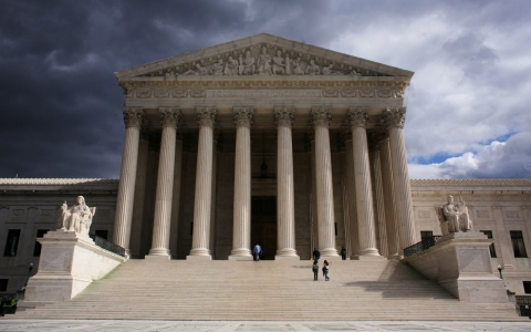 Thumbnail image for SCOTUS: Public-sector unions can't force nonstaff workers to pay dues