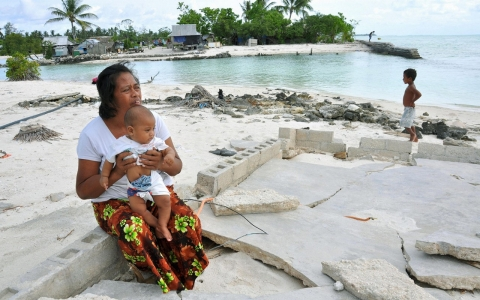 Thumbnail image for Plagued by sea-level rise, Kiribati buys land in Fiji