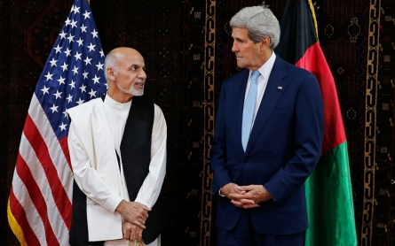 Kerry in Afghanistan to help broker deal in election standoff