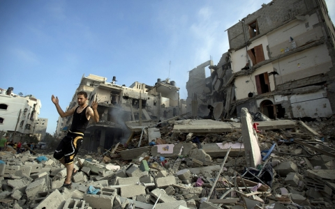 Thumbnail image for Israeli strikes kill more Palestinians as death toll surpasses 100