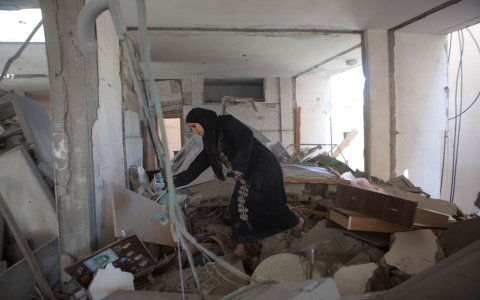 Thumbnail image for Women in Gaza bear psychological scars of war