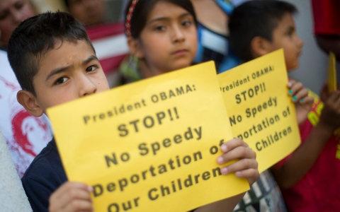 Thumbnail image for Obama slows drive for legal power to deport migrant kids