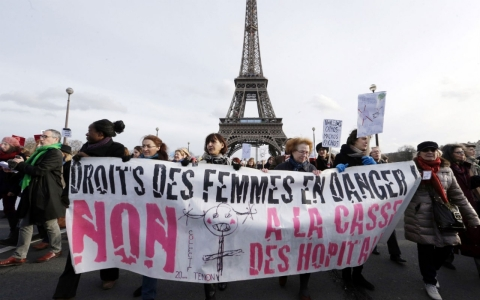 Thumbnail image for France passes sweeping gender-equality law