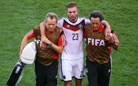 Thumbnail image for World Cup shows soccer cannot be complacent on concussion