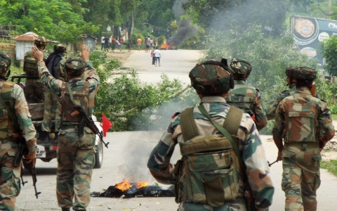 Thumbnail image for In India, state border dispute leaves 18 dead, displaces 10,000