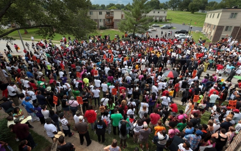 Thumbnail image for Protesters rally three weeks after police shooting of Michael Brown