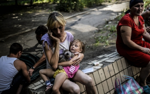 Thumbnail image for Ukraine urges rebels to let civilians flee