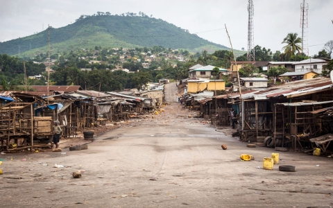 Thumbnail image for Millions in Sierra Leone on Ebola lockdown