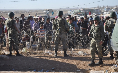 Thumbnail image for 130,000 Syrians flee ISIL brutality; Turkey warns of 'man-made disaster'