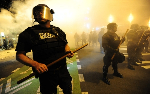 Thumbnail image for Seattle police aren't using enough force, internal memo says