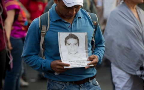 Thumbnail image for Mexico official declares 43 missing students dead