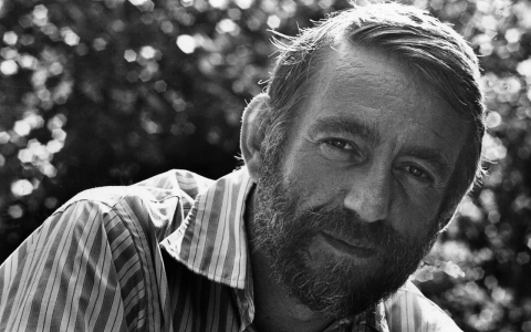 Thumbnail image for Rod McKuen, mega-selling poet and performer, dies at 81