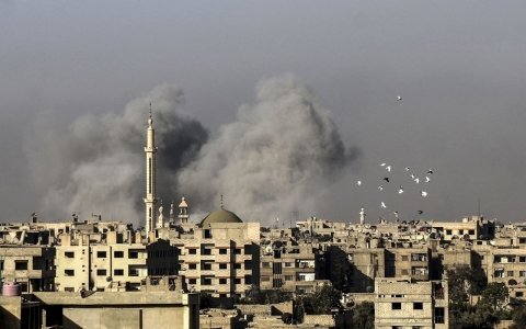 Thumbnail image for Syrian army, Russian jets target rebel towns north of Homs