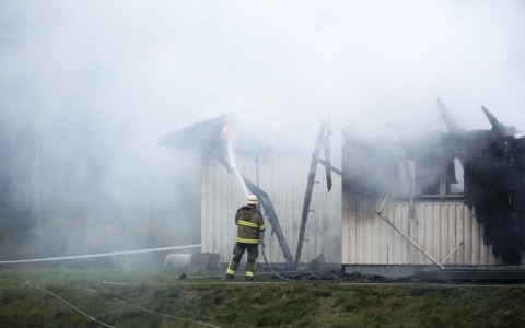 Thumbnail image for Suspected arson attacks target Swedish refugee shelters