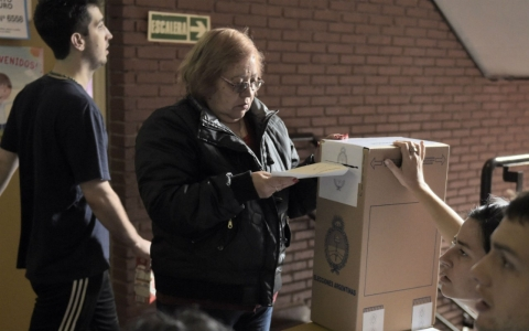 Thumbnail image for Argentina's presidential vote too close to call