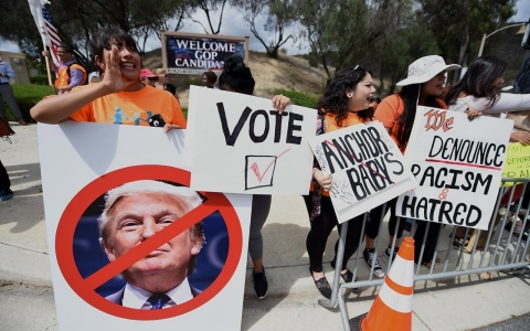 Thumbnail image for Latinos warn GOP candidates that they can't win without them