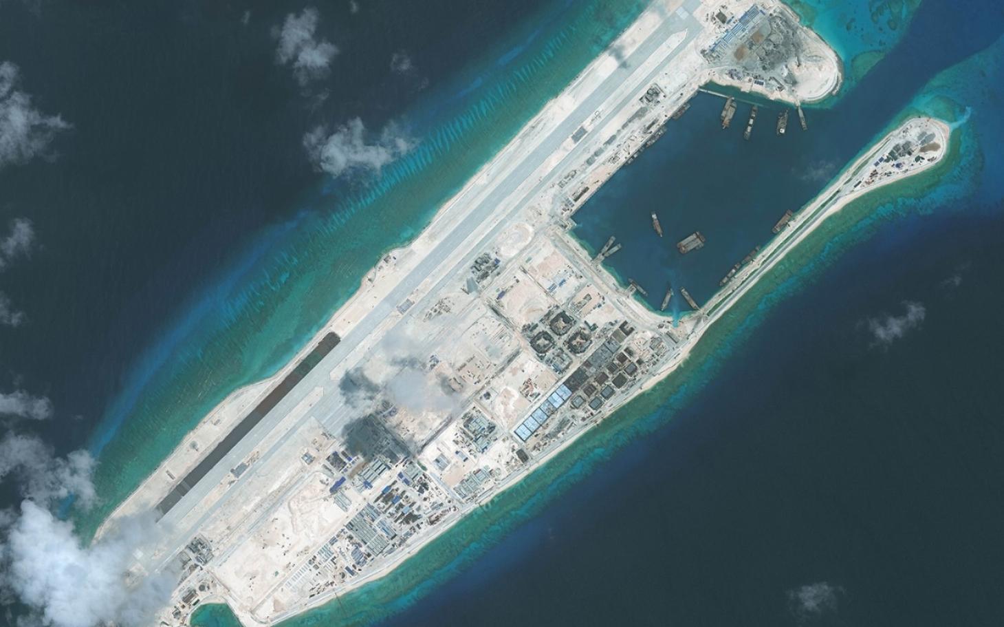 US Mulls Sailing Near Disputed Islands   Al Jazeera America