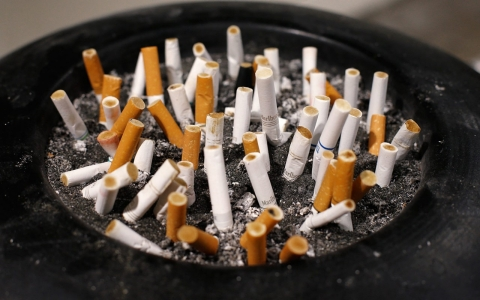 Thumbnail image for US mulls smoking ban for public housing nationwide