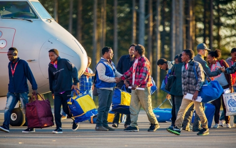 Thumbnail image for Refugee haven Sweden reintroduces border controls amid migration crisis