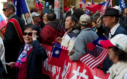 GOP and Democrats slow to woo booming Asian American electorate