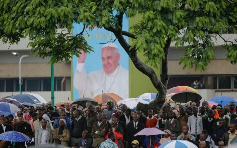 Thumbnail image for Pope Francis, making first Africa visit, urges Kenyans to work for peace